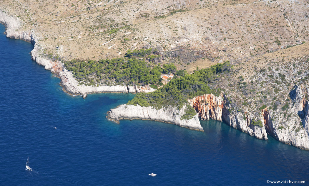 Island Hvar - Red rocks